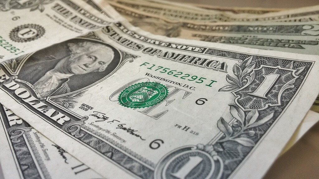 How to Identify Counterfeit Money When Traveling in the US
